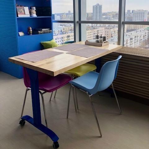 Мобильные столы для кафе в Екатеринбурге