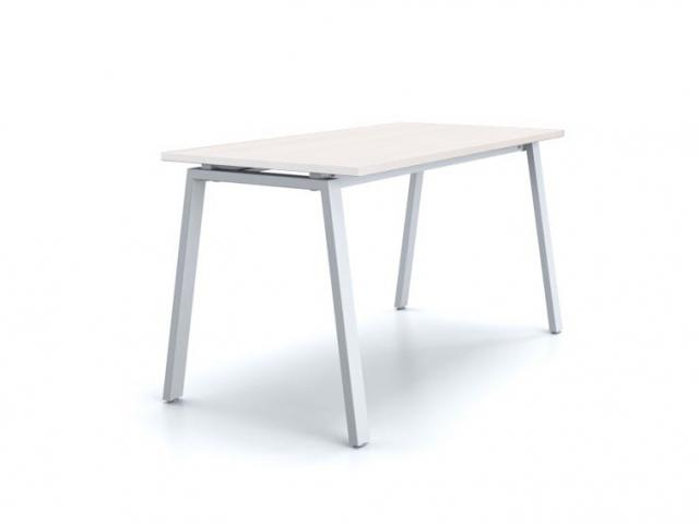 Рабочий стол «Каппа ТР» со столешницей из белого ДСП 22мм, 1200х600мм