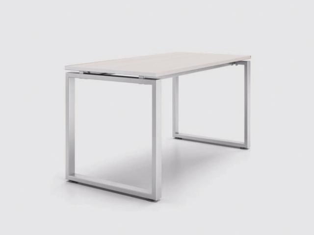 Рабочий стол «Зета ТР» со столешницей из белого ДСП 22мм, 1200х600мм