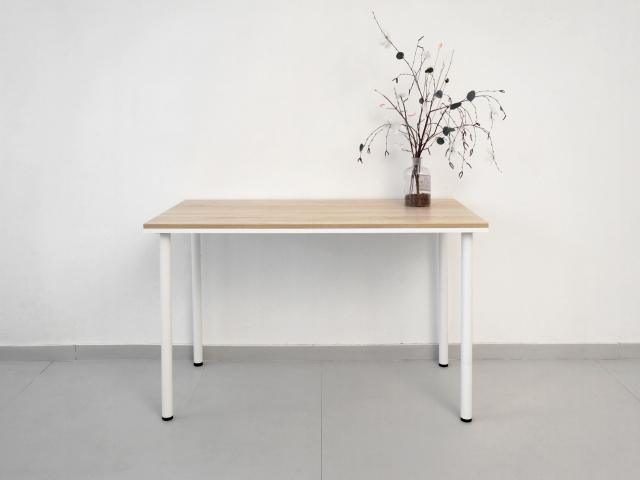 Рабочий стол из двух листов ЛДСП , белый и дуб сонома