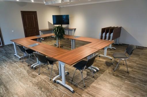 Столы для мобильного конференц зала