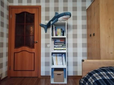 Простой шкаф для книг